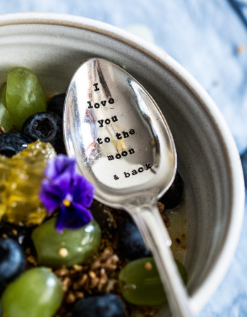 "Dried teaspoon ""I love you to the moon and back"""