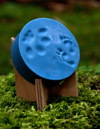 Natural soap with footprint of baby lynx and forest elf 85 g, blueberry spruce
