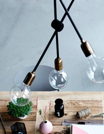 Molecular brass / black lamp