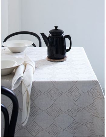 TIMANTTI tablecloth 150x220