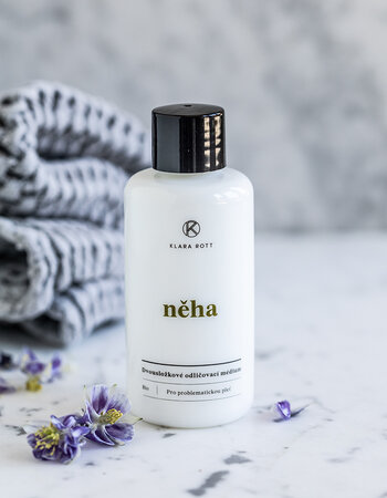 Něha - Two-component make-up remover for problematic skin